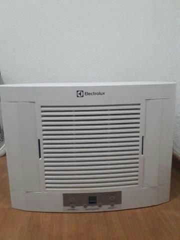 Ar condicionado 220w já higienizado 10.000btus