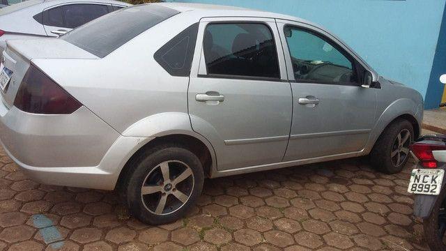 Vendo carro Ford Fiesta Sedan  - Foto 4