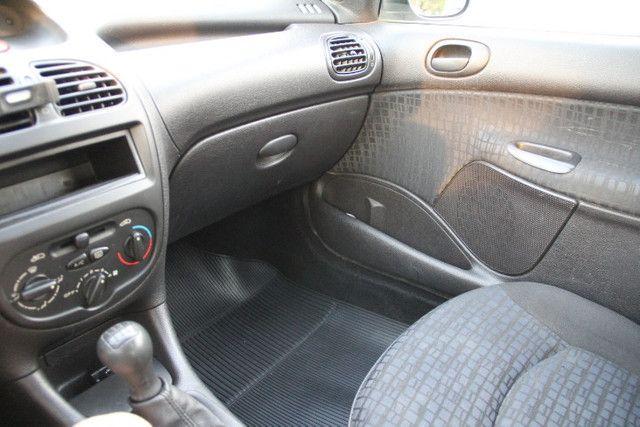 Peugeot 206 Selection Prata, 1.6 16V, modelo 2004 - Foto 14