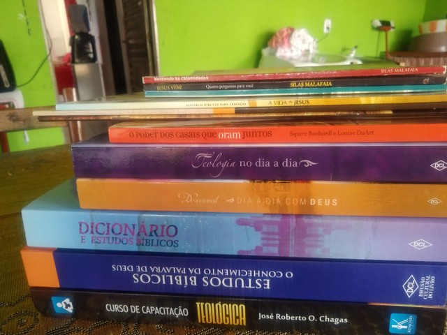 Pack de livros de estudos teólogos