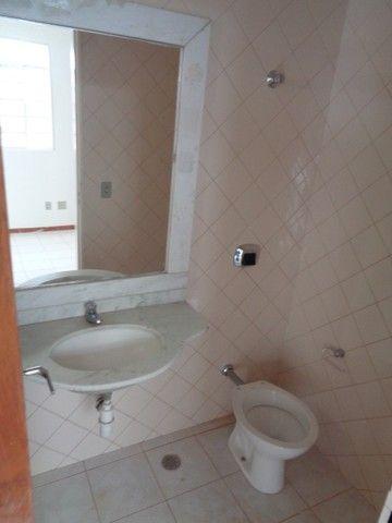 Apartamento com 3 quartos, 70 m², aluguel por R$ 800/mês - Foto 12