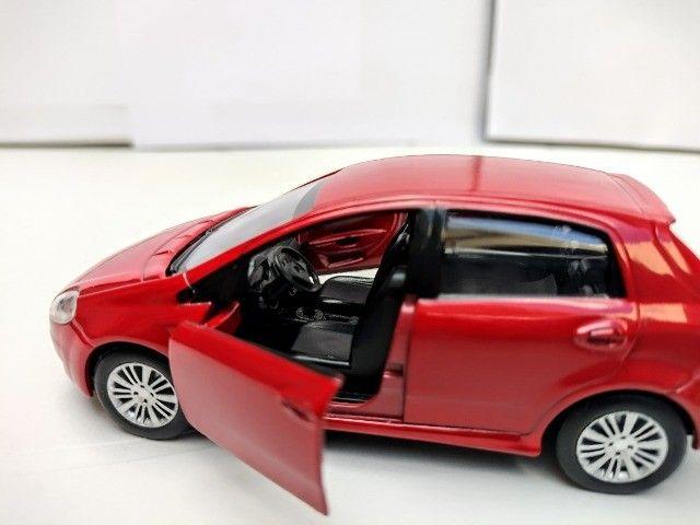 Miniatura Fiat Punto Vermelha - Foto 6