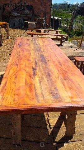 Mesa com bancos ou banquetas madeira demolição peroba rosa  a pronta entrega  - Foto 2