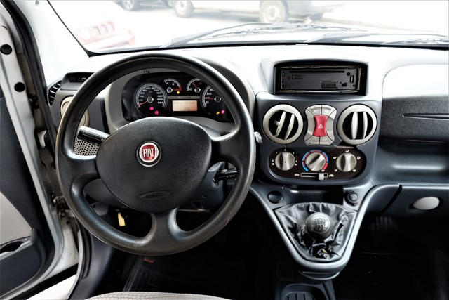 Fiat Doblò Adventure 1.8 16V (Flex) - Foto 6