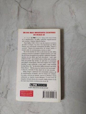 """Livro """"KAFKA A METAMORFOSE"""" (Livro de bolso) - Foto 3"""