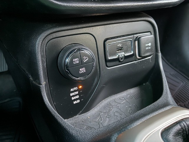 Fiat Renegade Custom Diesel 2.0 Aut. 2018 com apenas 62.451km! Completo + 4x4 - Foto 9