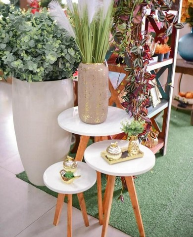 mesas mesinhas kit com 3 tres mesas para decorar sua casa/loja e presentear sua mae - Foto 2