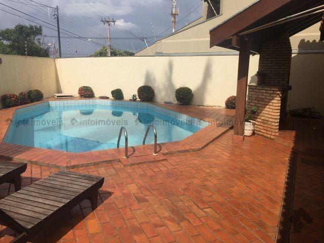 Linda Casa com piscina - Vila Planalto -Próxima do Centro