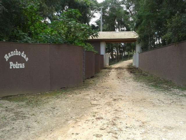 Ref. 702-1 Chácara de 2.000 m² com energia elétrica já instalado na Campina das Pedras