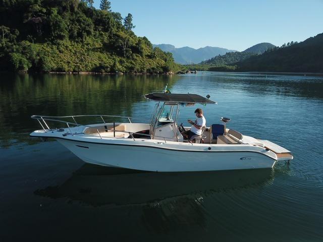 Lancha Fishing 265 - Mercruiser 5.0 V8 gasolina - Impecável