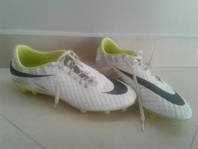 Chuteira Nike Hypervenom - Esportes e ginástica - Vila Adyana a83fc97ed1653
