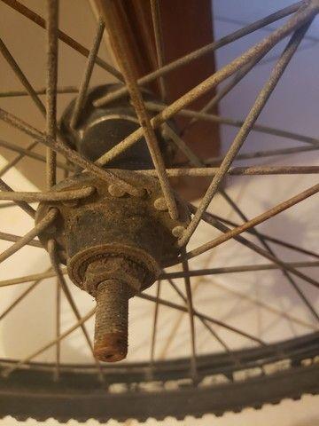 Roda dianteira de bicicleta media - Foto 3