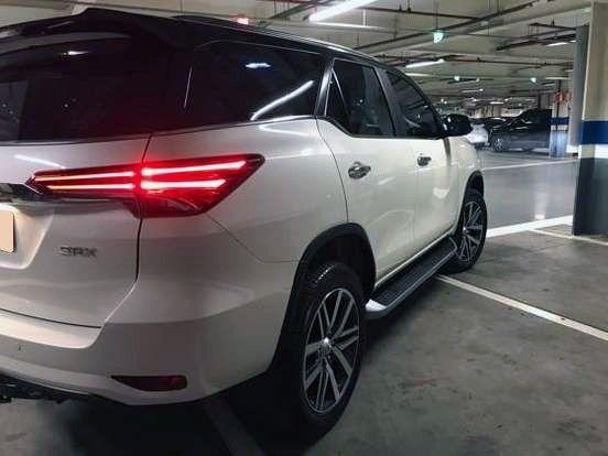 Hilux SW4 2.8 SRX 4x4 7 Lugar 16v Turbo Diesel AT