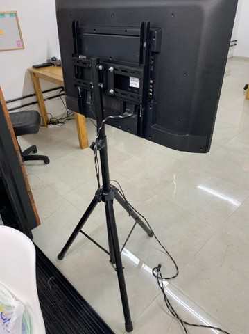 Suporte Pedestal TV  - Foto 3