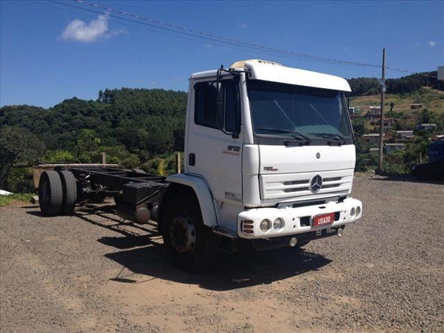 CAMINHAO MB 1718 4X2 NO CHASSI ANO 2009