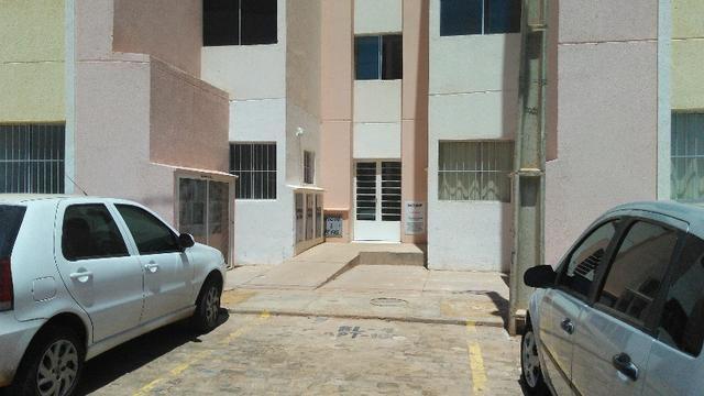 Apartamento no Condomínio Village Leste II, Granada, Vale do Gavião