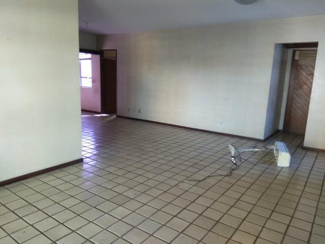 Alugo excelente apartamento de 260 m² em Petrópolis!!!