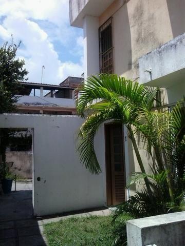 Casa em Itapuã, pequeno Village, 2 quartos