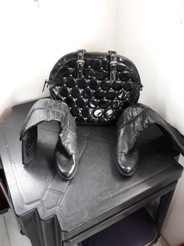 19f8bca3e Combo: bota + bolsa- Aproveite brechó online - Roupas e calçados ...