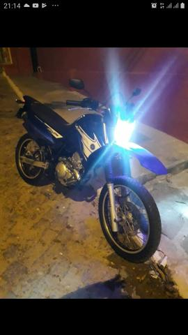 Vendo moto Lander 2007