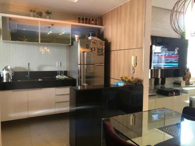 CA1572 Casa 80m² Cond. Magna Villaris 3 Qts Sendo 2 Sts Decorada, Climatizada, e Mobiliada - Foto 2