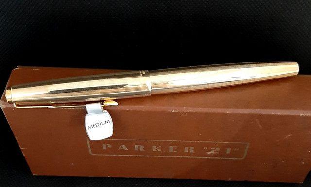 Parker 61 Ouro / Preta / Tampa convexa  - Foto 5