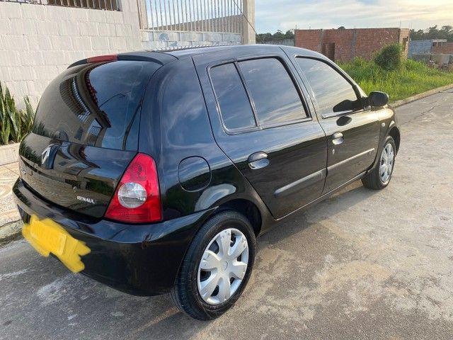 Renault Clio HATCH  1.0 16v.Flex 4p manual  Ano 2009 modelo 2010 Gasolina e álcool  preto  - Foto 3