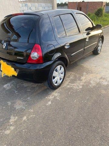 Renault Clio HATCH  1.0 16v.Flex 4p manual  Ano 2009 modelo 2010 Gasolina e álcool  preto  - Foto 6