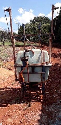 Pulverizador Berthoud 400 litros - Foto 3