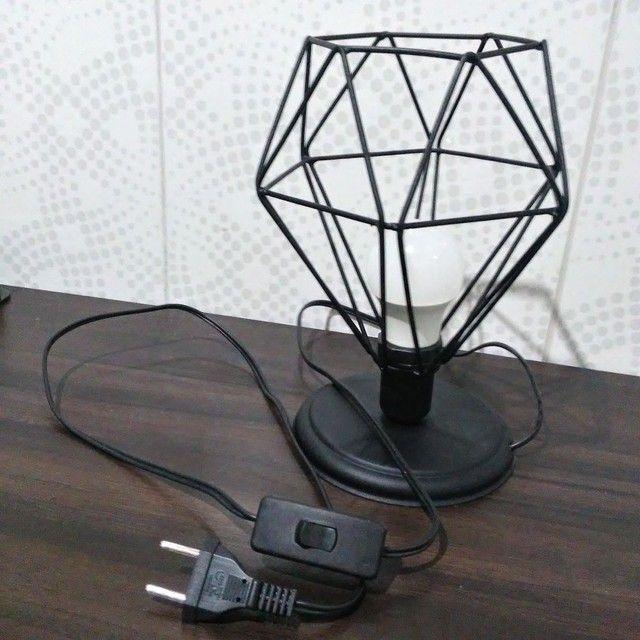 Luminária de mesa - diamante preto