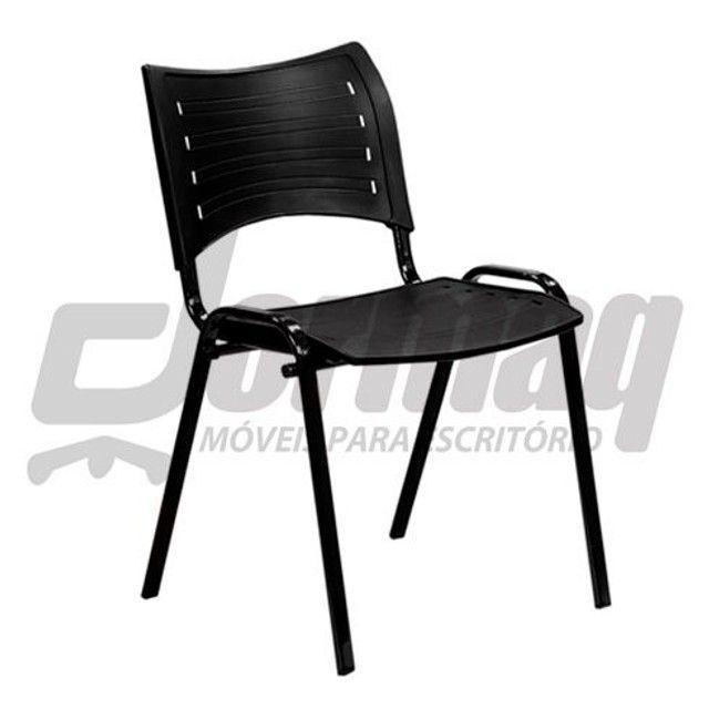 2 Cadeiras fixa Smart iso preta -semi nova