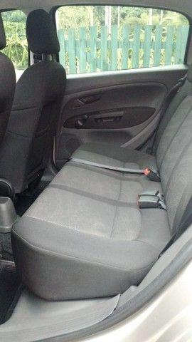 Fiat Punto Attractive 1.4 2012 - Foto 4