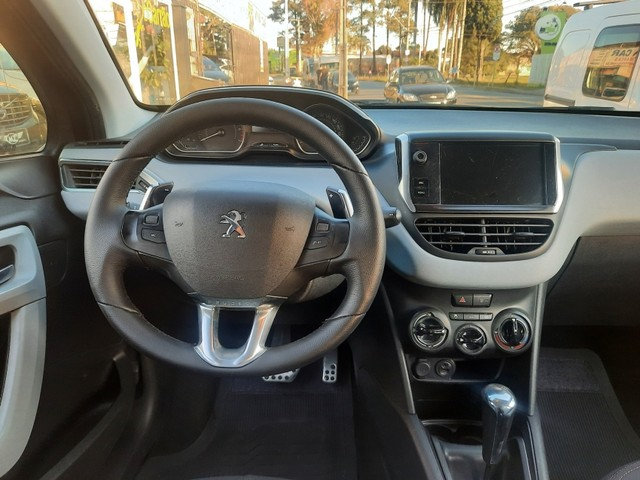 Peugeot 208 - Foto 2