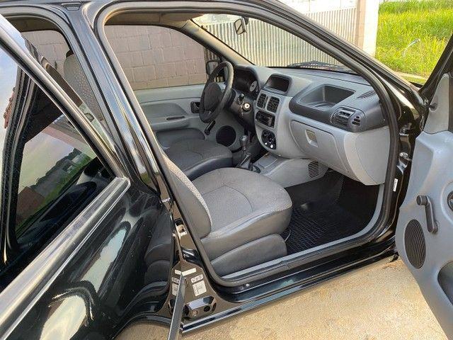 Renault Clio HATCH  1.0 16v.Flex 4p manual  Ano 2009 modelo 2010 Gasolina e álcool  preto  - Foto 14