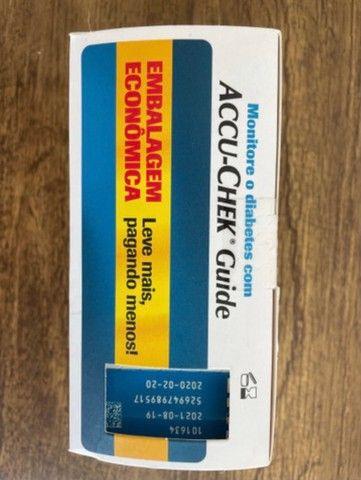 Kit tiras de glicemia Accu chek 150 unidades - Foto 2