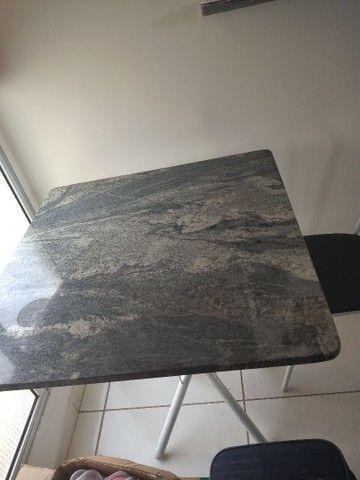 Mesa com cadeiras - Foto 3