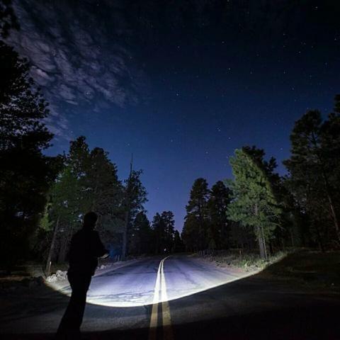 Lanterna X900 a mais potente do mercado.+ garantia + Entrega Grátis - Foto 3