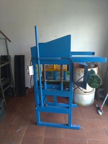 Máquina de blocos e canaleta - Foto 2