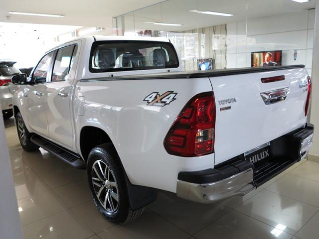 TOYOTA HILUX CD DSL 4X4 SRV AT 19/20 - Foto 6