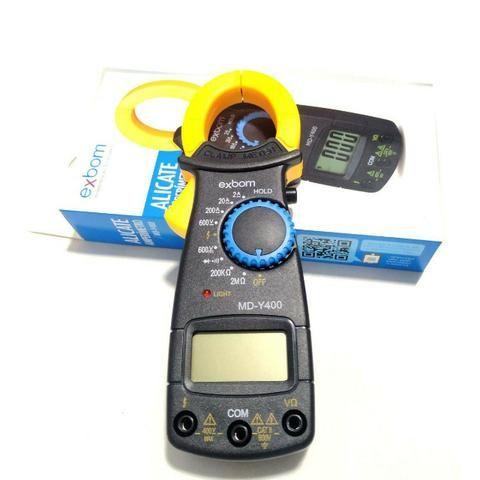 Alicate Amperímetro Profissional Digital Medição 600v Cat - Foto 3