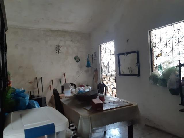 Casa na Av Waldir Diogo com 05 quartos e garagem pra 4 carros. Excelente imóvel - Foto 8