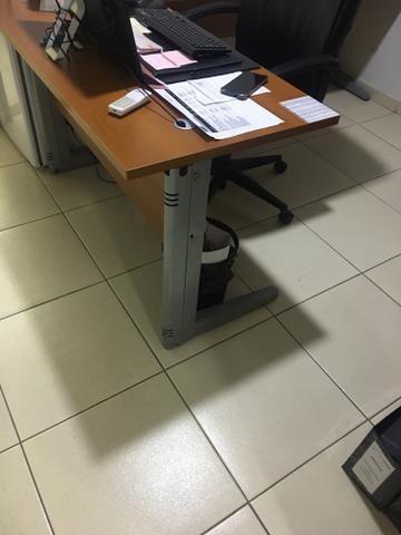 Mesas semi novas para escritório - Foto 3