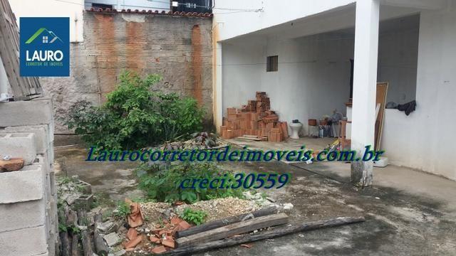 Área com 02 casas construídas, área do terreno com 220 m² no Bairro Funcionários - Foto 14