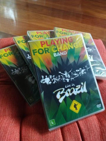 NOVO - DVD Playing For Change Band - Live In Brazil - Foto 4