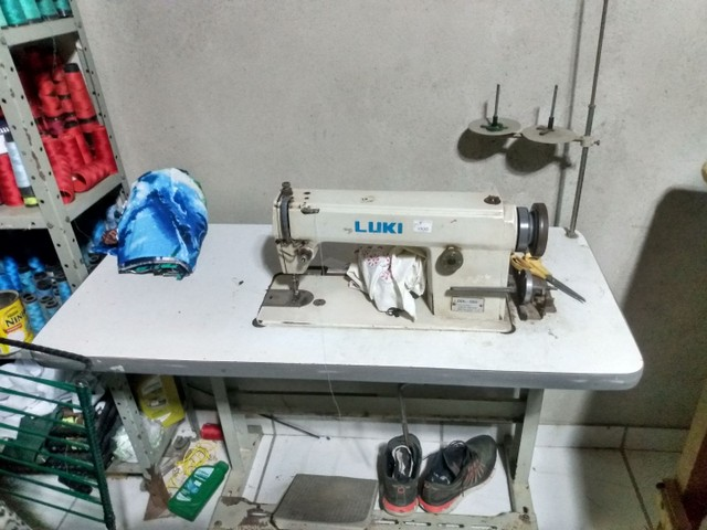 Máquina de costura reta de uma agulha luki