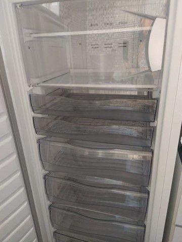 Vendo Mesa de Escritório, Freezer e Máquina de lavar roupas - Foto 4