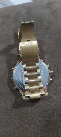 Relógio diesel dz7333 dourado 4 maquinas - Foto 2