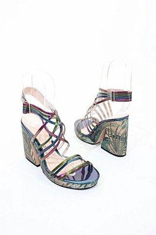 Sandália tiras coloridas Zara 34 - Foto 2