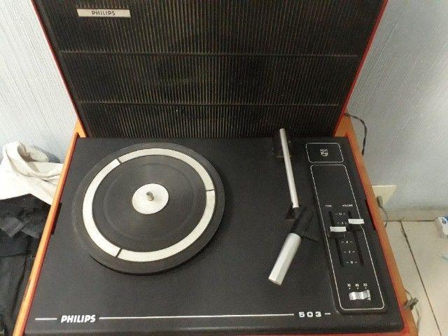 Vitrola Portátil Phillips 503 - Toca Discos