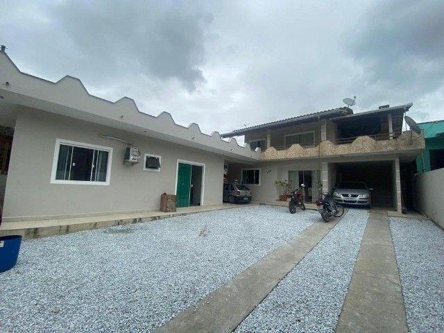 2 lindas casas no terreno bairro tabuleiro casa principal 3 dorm ampla sacada confira